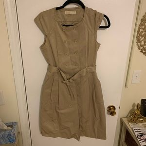 EUC MICHAEL KORS KHAKI BELTED DRESS!